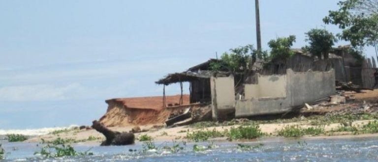 Article : Lahou Kpanda, une île qui va disparaître…