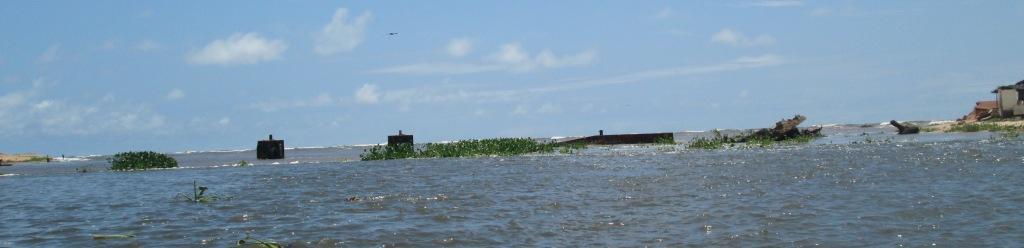 Le quai d'embarcation en pleine lagune