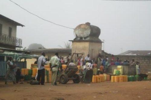 Article : Les pénuries d'eau en Cote d'ivoire, un problème qui se transporte hors d'Abidjan