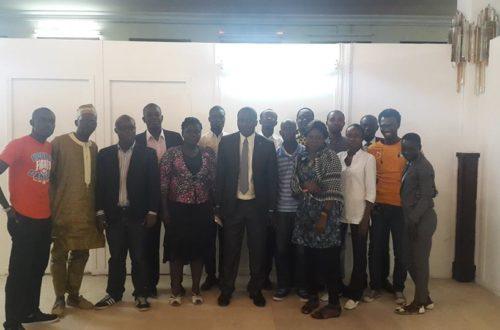Article : La blogosphère ivoirienne s'initie et initie au langage parlementaire.