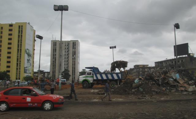 Abidjan, Rond point de la Liberté, Adjamé. Ph.Ladji Siratigui